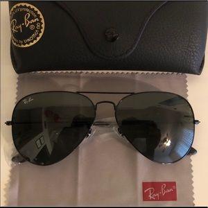 Ray Ban Black Frame aviators Sunglasses 58mm